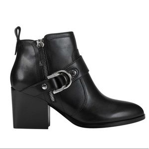 NWOT Marc Fisher Victa Heeled Bootie Black Leather